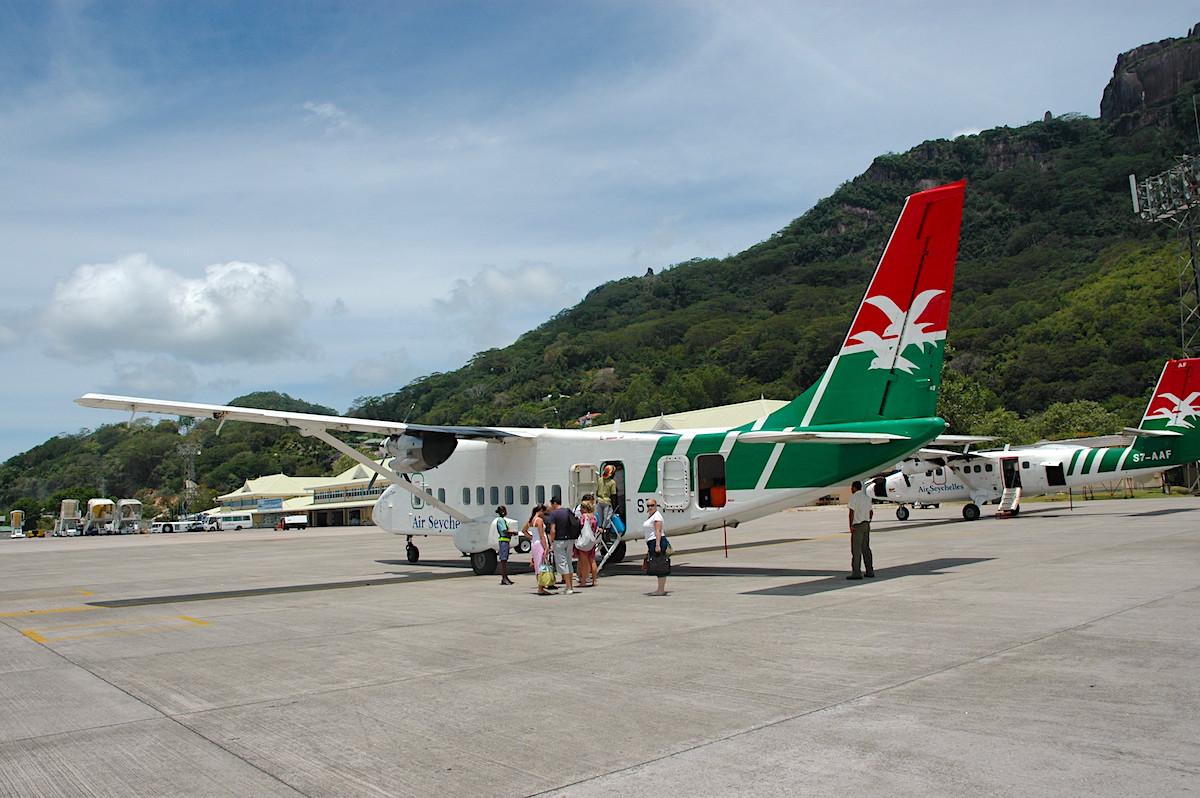 Et af de små Air Seychelles fly til indenrigsflyvning mellem øerne (foto: Kenneth Karskov)