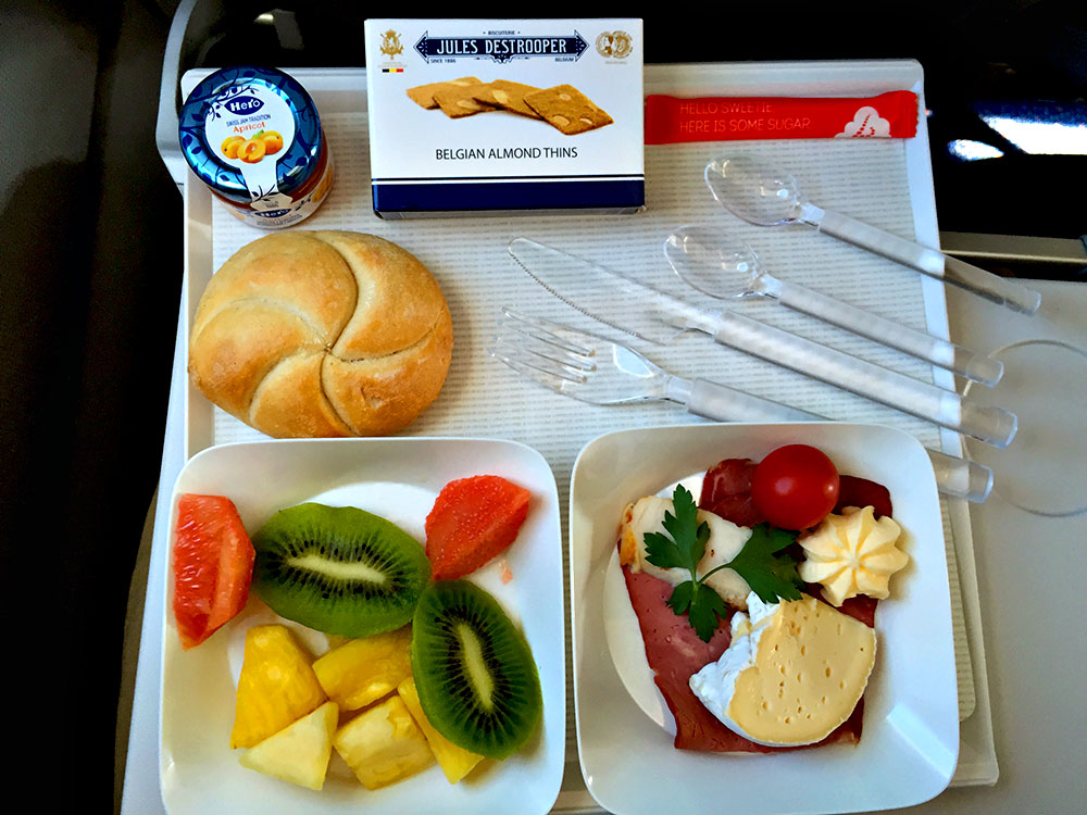 brussels-airlines-business-class-bru-cph-breakfast