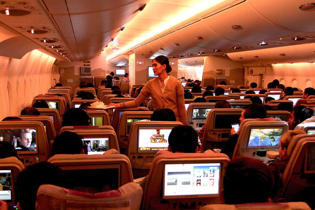 Economy Class passagererne vil fremover have mulighed for at gå i loungen (foto: Kenneth Karskov)
