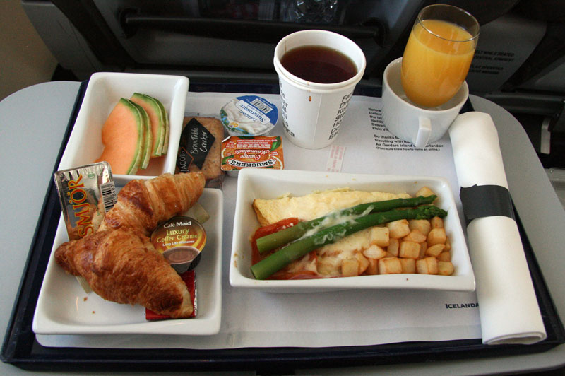Icelandair-Saga Class meal - foto Kenneth Karskov