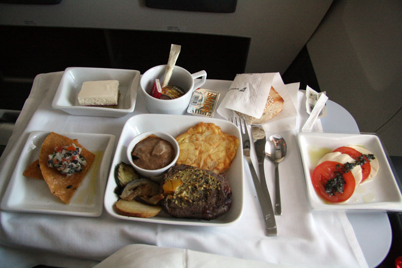 Icelandair-Saga Class to Boston - Main Meal 2 - foto Kenneth Karskov