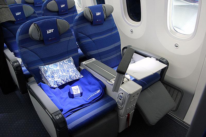 Premium Economy på LOT's Dreamliner (foto: Kenneth Karskov)