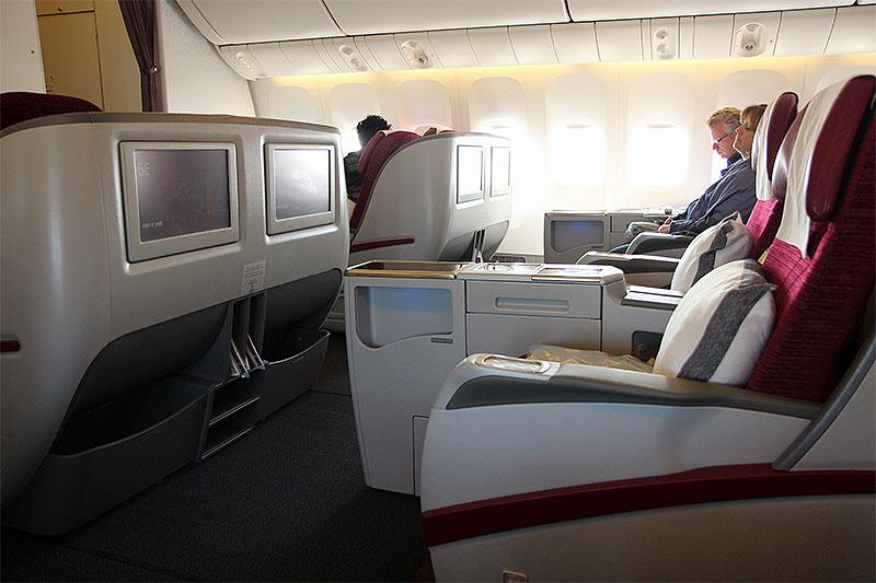 QR832-DOH-BKK-Business-Class-cabin