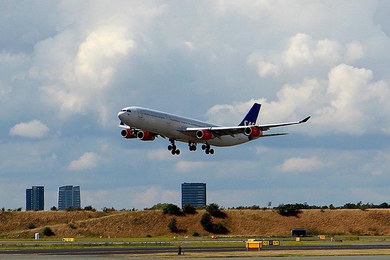 SAS-A340-lander-i-CPH