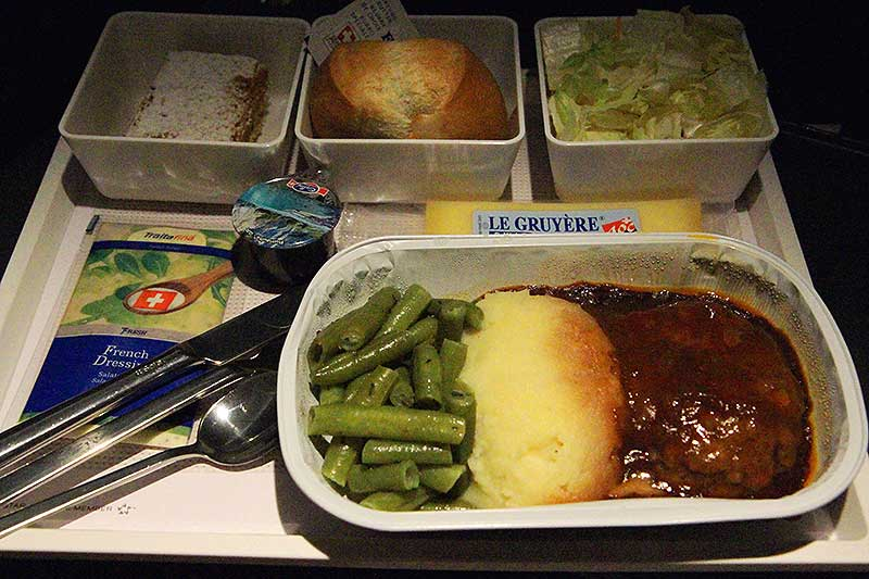 SWISS-LX178-Singapore-economy-class-dinner