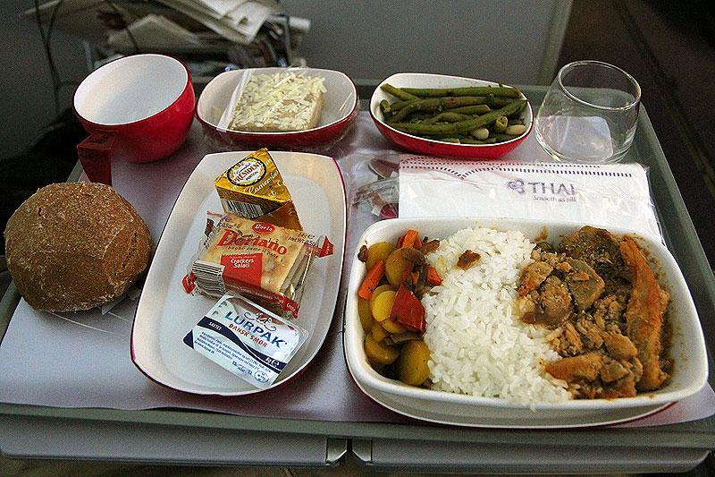 Test: NY Thai Airways Boeing 777 fra København til Bangkok (Economy Class) | Flybranchen.dk