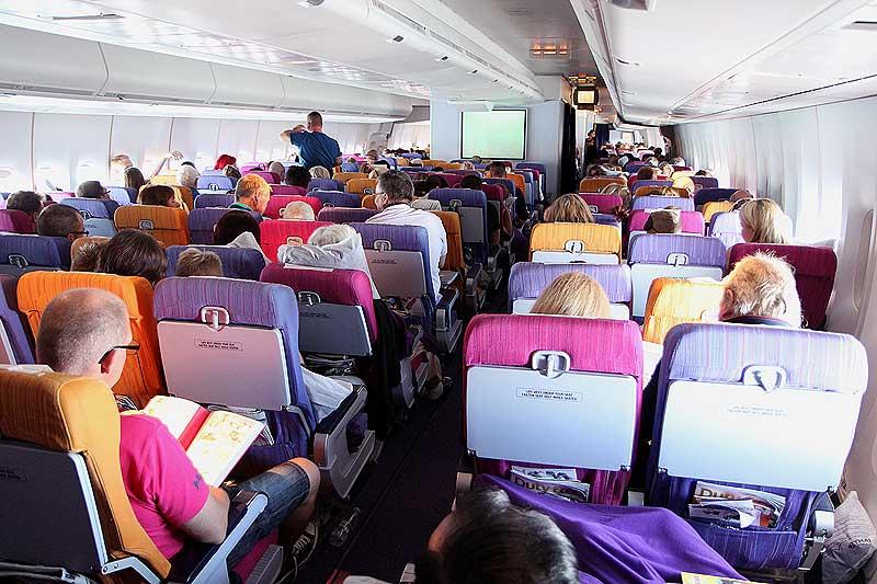 thai airways fly til bangkok