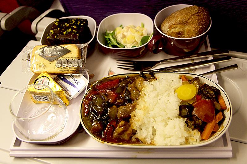 TG953-CPH-BKK-dinner