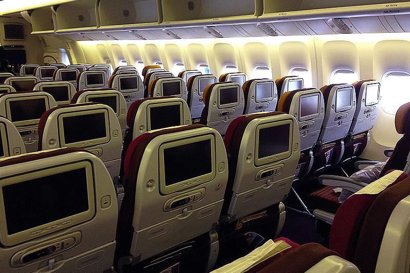Sådan ser Economy Class ud på Thai Airways flyet fra København til Bangkok