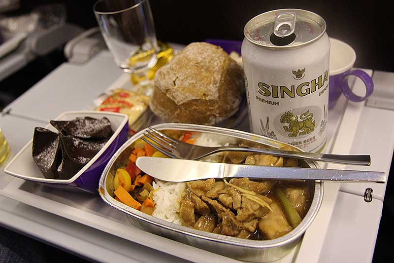Thai Airways TG951 CPH BKK main-meal