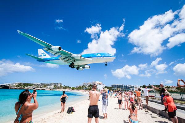 KLM Boeing 747-400 under indflyvning til lufthavnen på St. Maarten (Foto: KLM / PR)